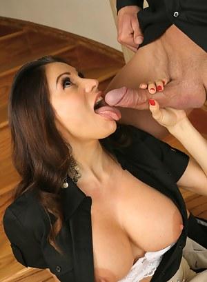 Big Boobs Tongue Porn Pictures