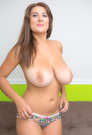 Big Boob Moms Porn Pictures